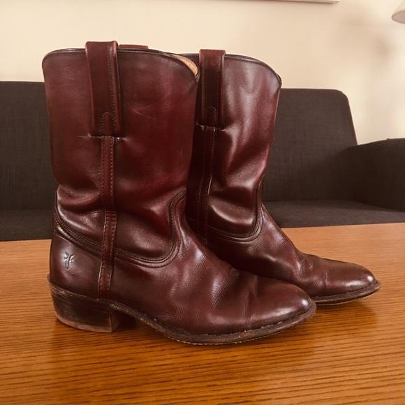 51b97a7afb723 30 yr old Vintage Frye Boots Men's 8.5